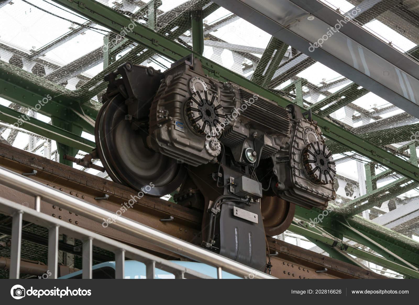 Station motor ophanging railway wuppertal duitsland u2014 stockfoto