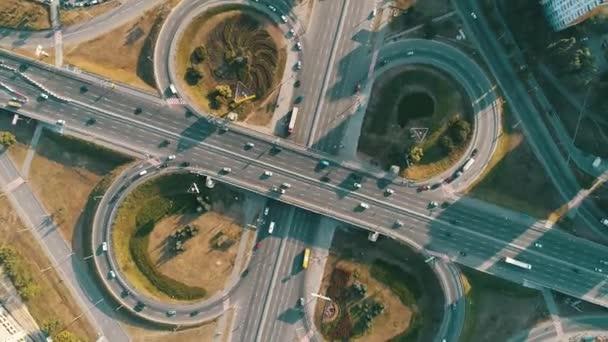 Kruhový objezd motorových vozidel z výše