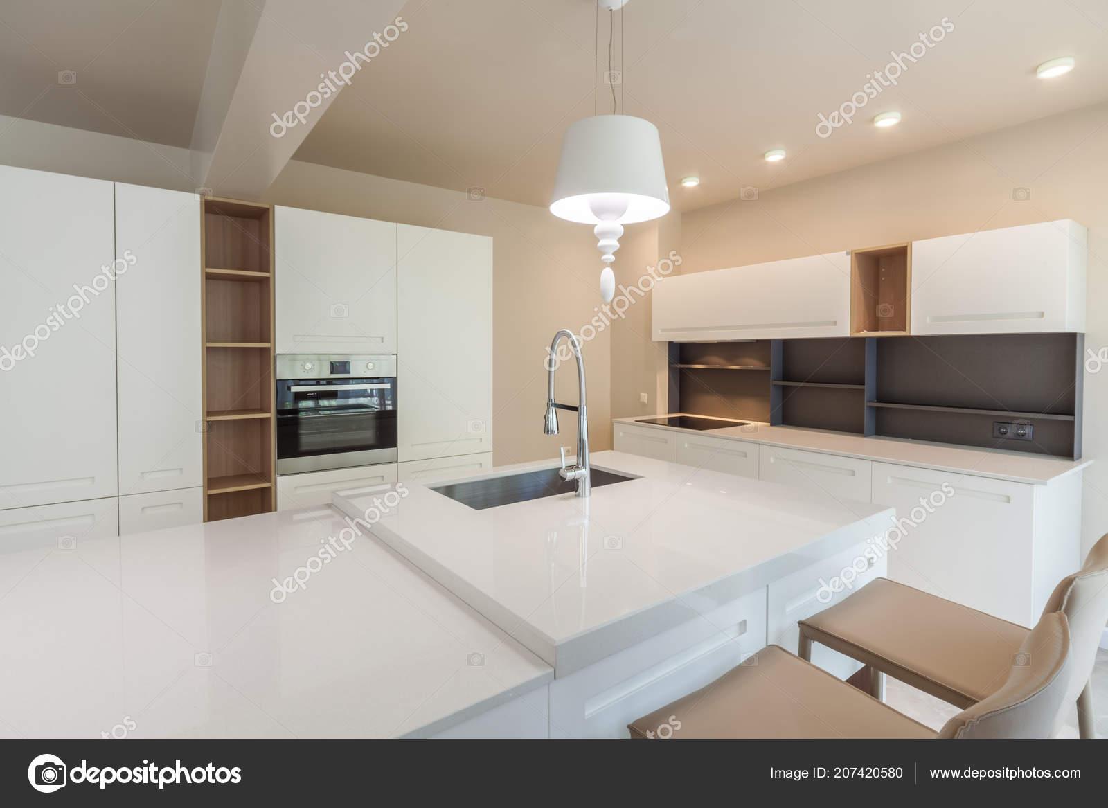 Casa Moderna Bianca.Nuova Cucina Bianca Moderna Nuova Casa Lusso Fotografia