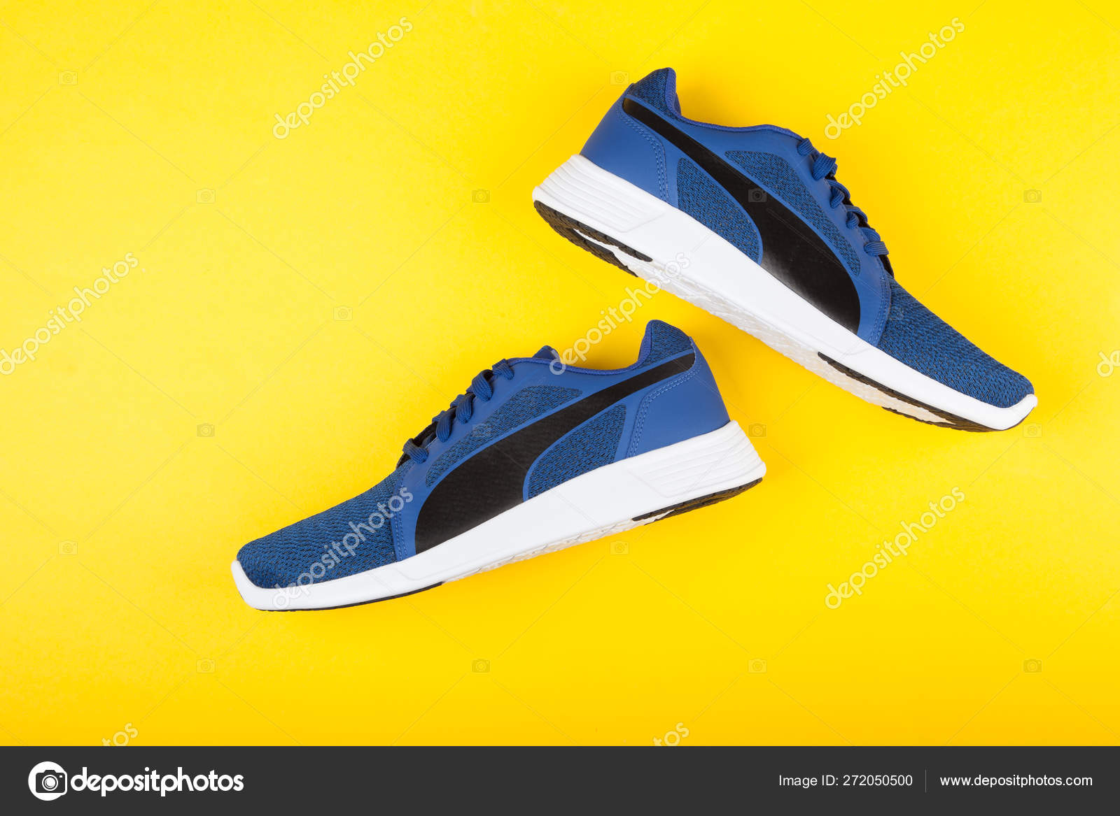 PUMA ST TRAINER EVO KNIT sport shoes on
