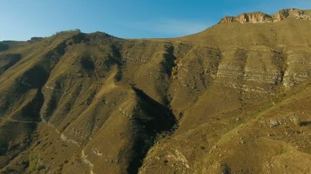 Letecká krajiny pohled na Kavkazu blízko mount Elbrus - nejvyšší horu v Evropě