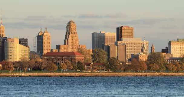 Pohled na panorama Buffalo v twilight 4k