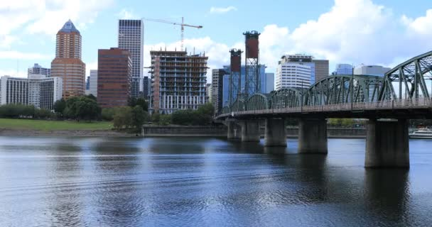Portland, Oregon Panorama a most přes Willamette River 4k