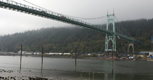 Pohled na St. Johns mostu v Portlandu, Oregon 4k