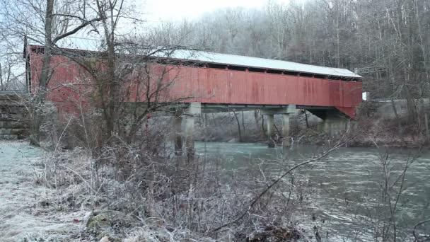 Pohled na Carrolton Covered Bridge v Západní Virginii, Spojené státy