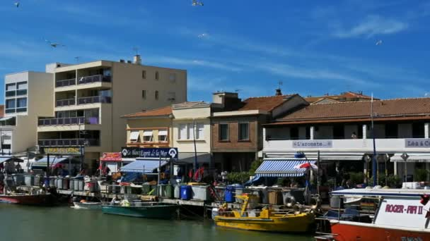 Palavas les Flots, Herault, Occitanie, Francie. Rybářský přístav na řece Lez