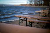 Fotografie Biergärten in Bayern wegen Coronapandemie im Frühjahr 2020 leer geräumt