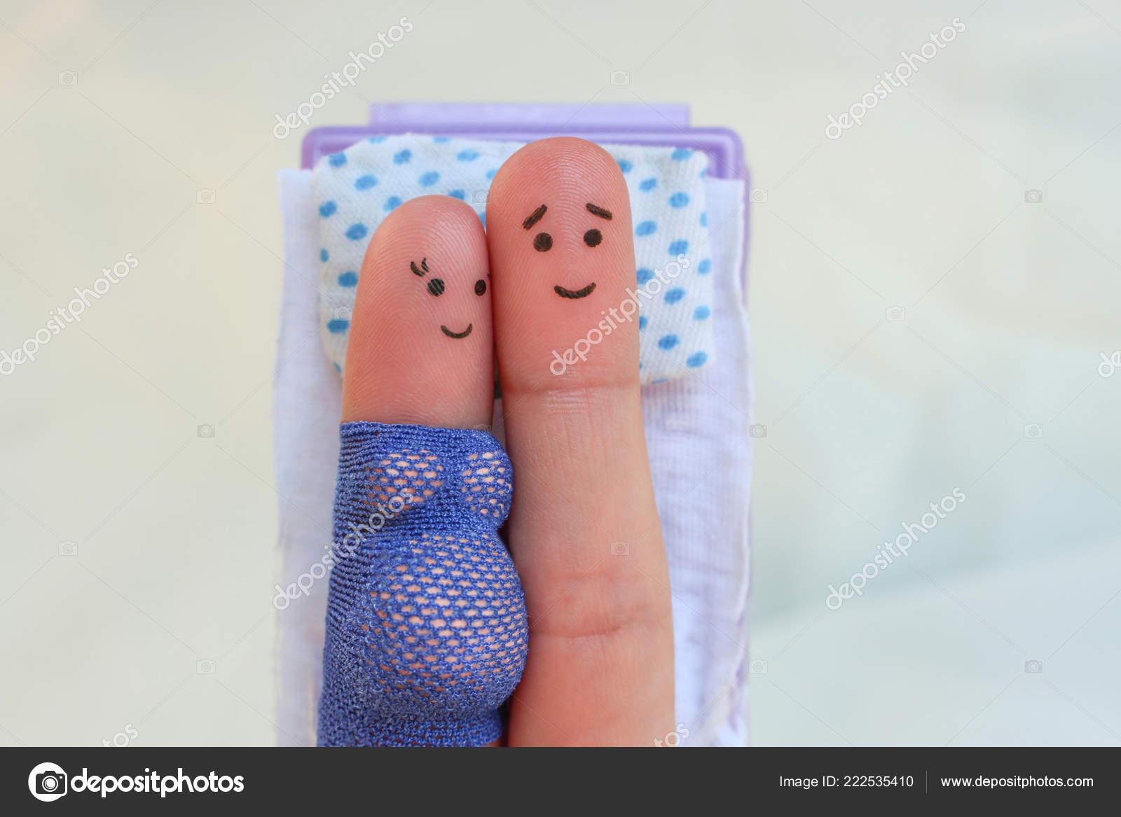 Стесняются показывать пальцы в сексе фото