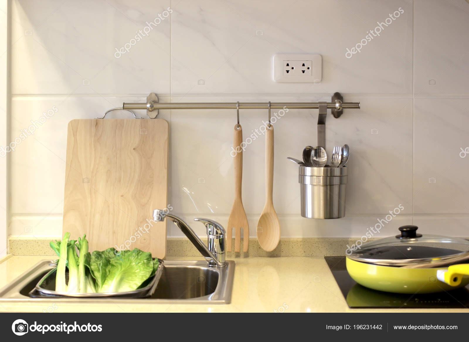 Innenarchitektur Küchenschrank Mit Spüle Und Elektroherd — Stockfoto ...
