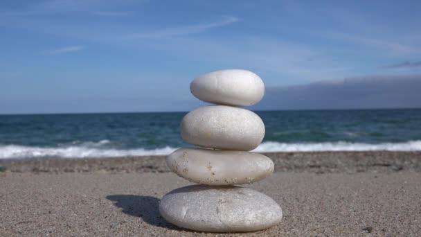 Bilance kameny a moře