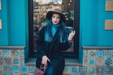 """Картина, постер, плакат, фотообои """"осенний портрет счастливой девушки на прогулке картины нью-йорк"""", артикул 272894040"""