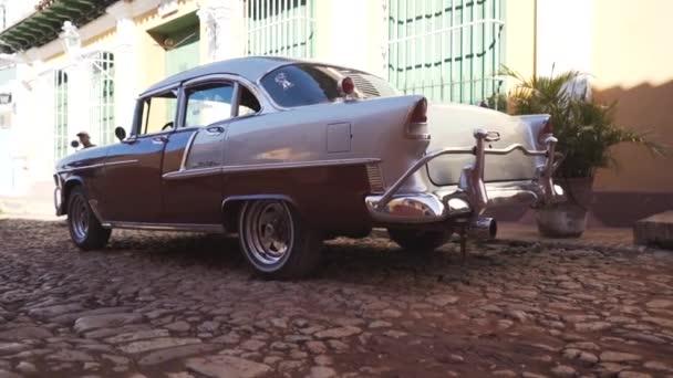 Kuba, a Trinidad - 2016. október 18.: városnézés. A régi utcák, a város főtere, a polgárok. Élet egy turista Trinidad szemével.