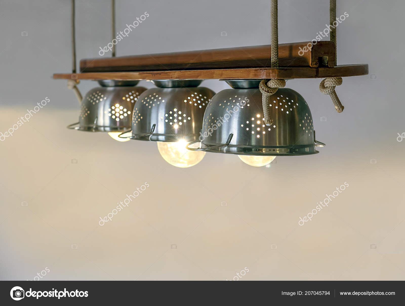 Warmer Beleuchtung Die Sich Aus Lampen Inneren Schone Utensilien