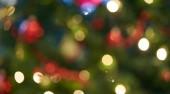 Abstraktní rozostřený obraz pozadí tradiční slavnostní vánoční světelné dekorace