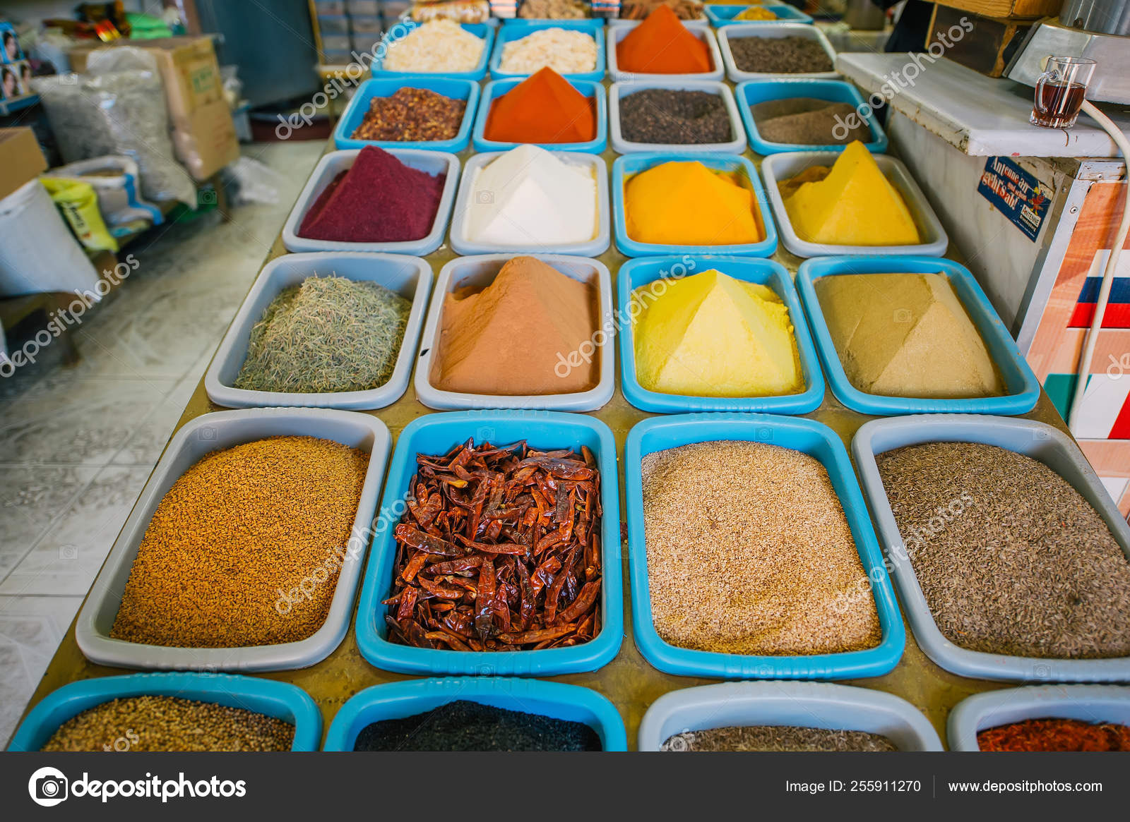 The traditional indian spices in shop  – Stock Editorial