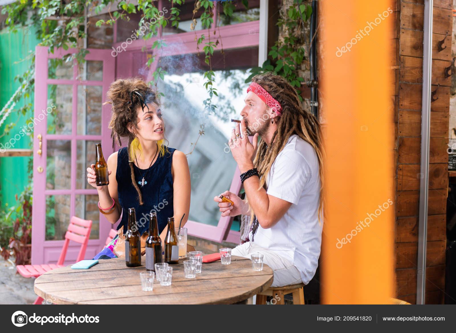 horké asijské dívky kouření