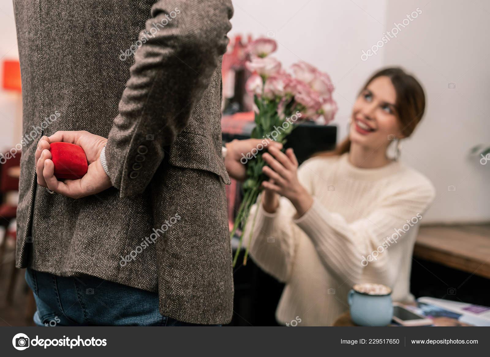 Когда лучше всего делать предложение девушке