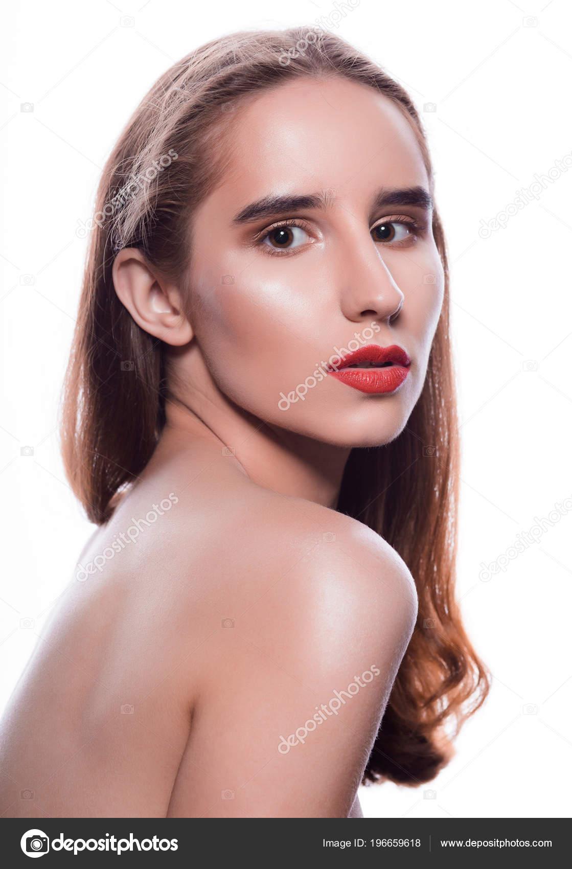 Μελαχρινή γυμνό μοντέλο