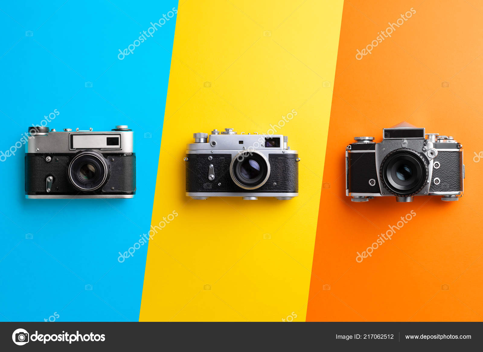 Multiple Vintage Cameras Colorful Background — Stock Photo