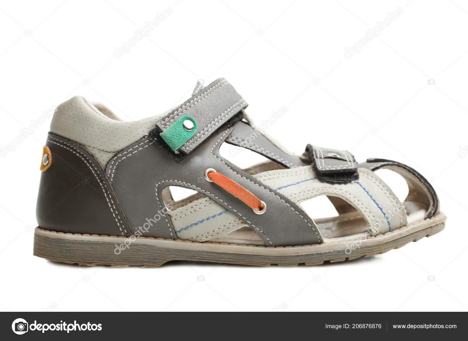 59a7febbcab9b Sandales d été bébé garçon isolé sur blanc. Concept de chaussures pour  enfants — Image de ...