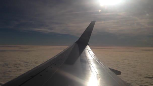 Létání nad mraky s Egypt Air Airplane