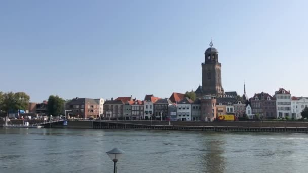 Skyline města Deventer v Overijssel Nizozemsko