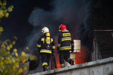 Şirket, Polonya, Szczecin geri dönüşüm güçlü yangın söndürme eylemi sırasında itfaiye