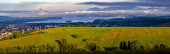 Panorama v blízkosti Liptovského Mikuláše na Slovensku. Panorama města, Liptovské jezero Mara obklopeno horami