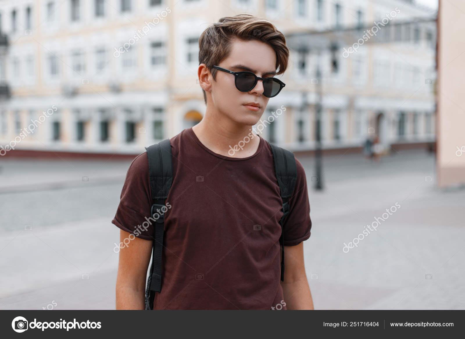 Hipster Dans Soleil Jeune De Lunettes Attrayant Élégant Homme Des USzVqMp