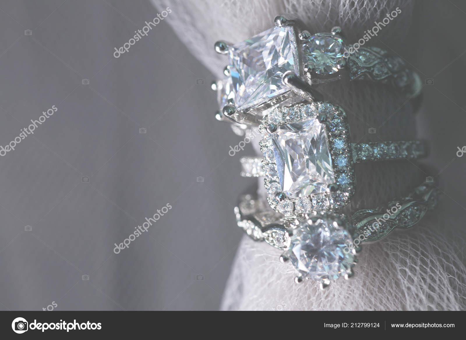Nekolik Diamantove Snubni Prsteny Jemne Sperky Stock Fotografie