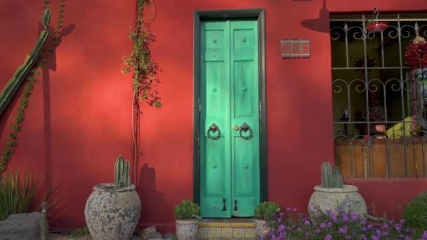 Barevné dveře v Tucsons Barrio Viejo
