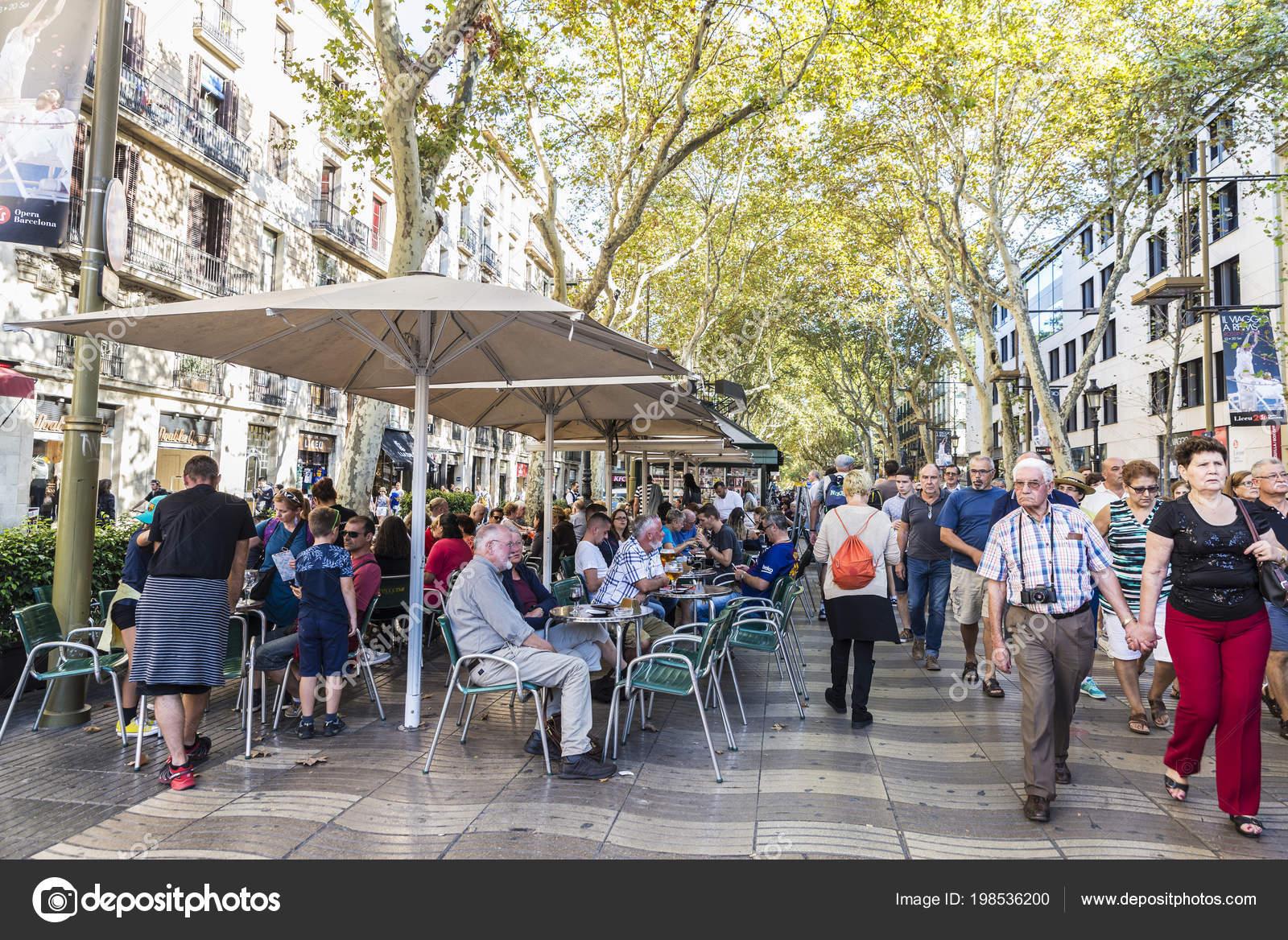Barcelona Spain September 2017 Terrace Bar People Walking