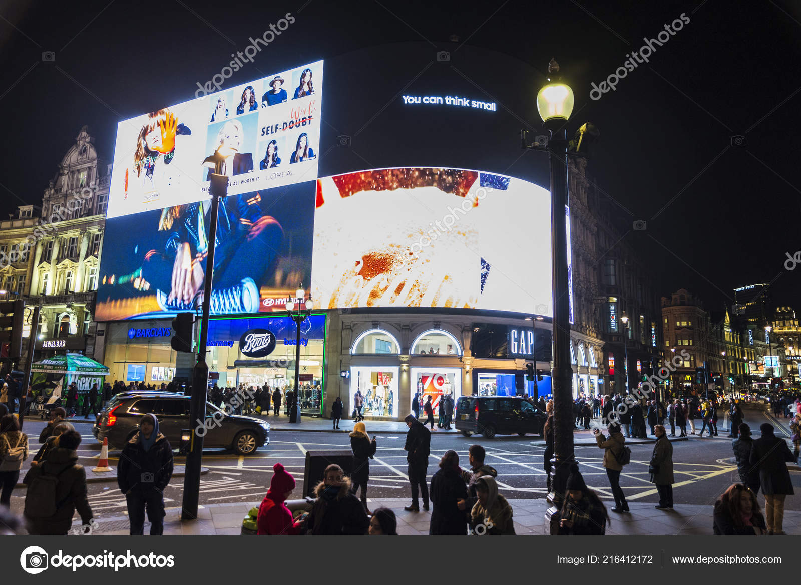 Bars Near Piccadilly Circus >> London United Kingdom January 2018 Piccadilly Circus Night