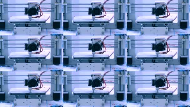 Moderní 3d tiskárna tisk objektu z horké roztavené