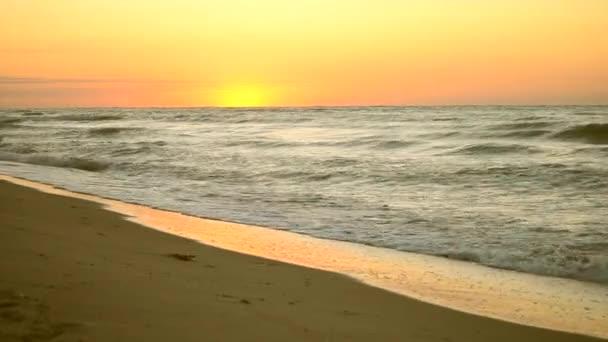 Západ slunce východu moře oceán