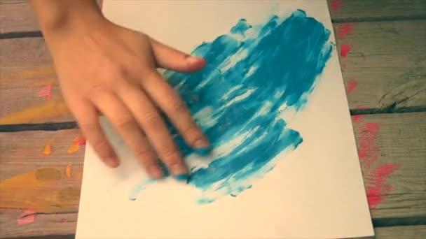 Malerei-Finger malt Gouache abstrakte Muster Nahaufnahme.
