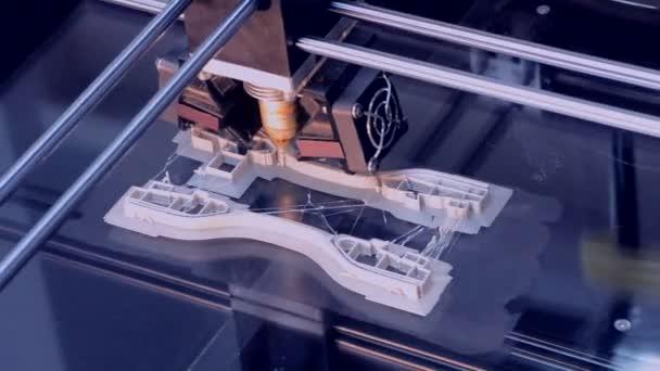 Automatické tří dimenzionální 3d tiskárna provádí plast