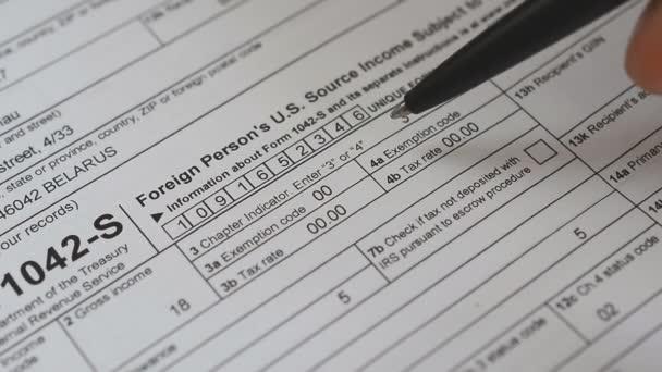 Steuer-Formular 1042-Füllung