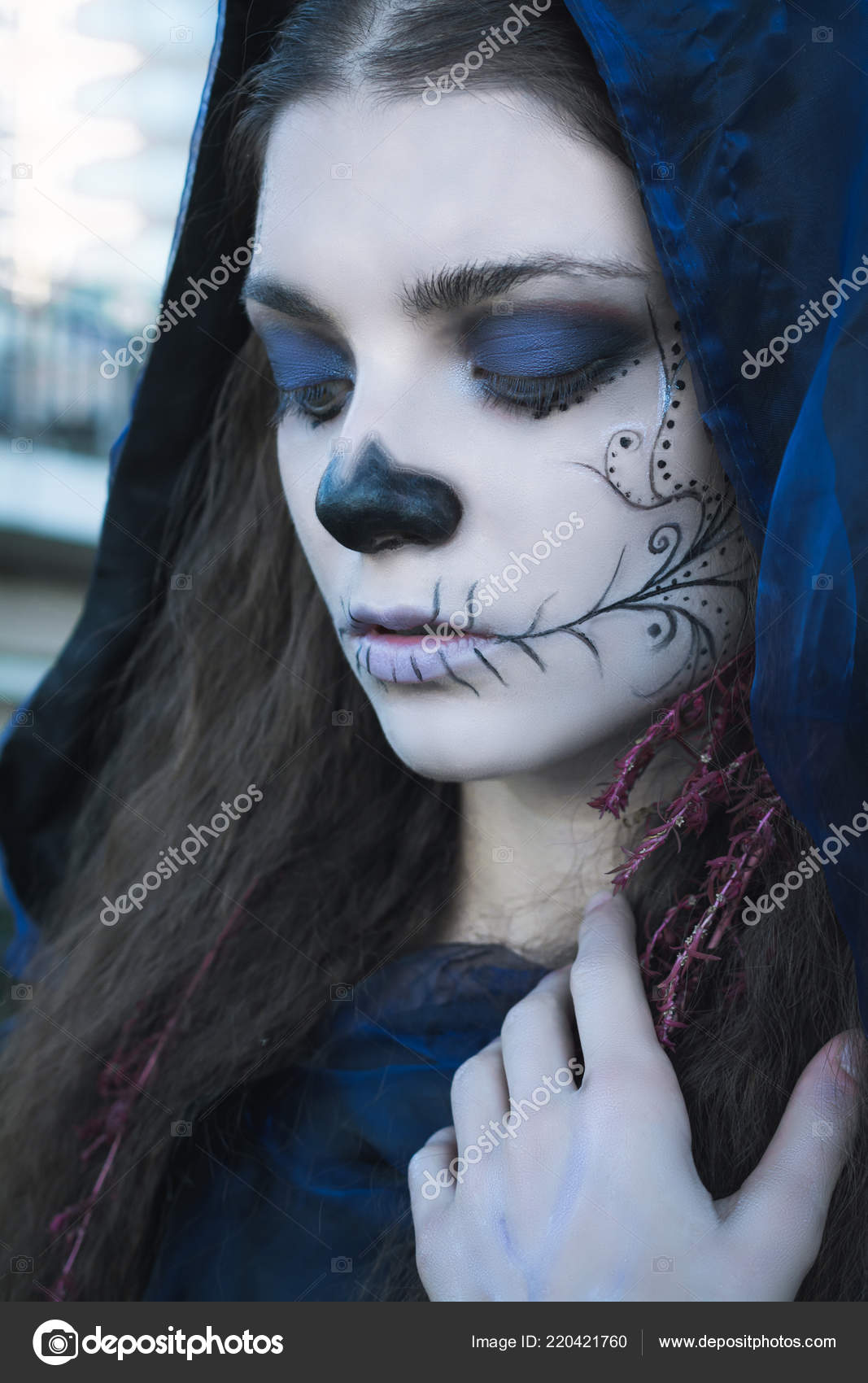 Maquillage Halloween Bouchent Belle Jeune Femme