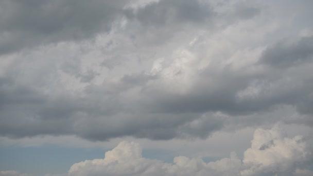 Uplynutí času rychle se pohybujících mraků