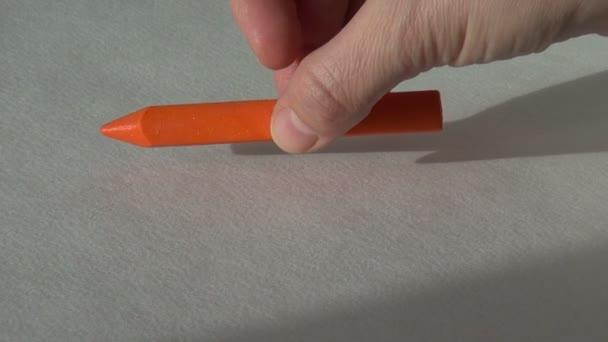 narancssárga színű viaszt zsírkréta pasztell festés művész eszközzel