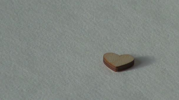 Pojetí lásky. Dřevěné srdce. Svátek Valentýn