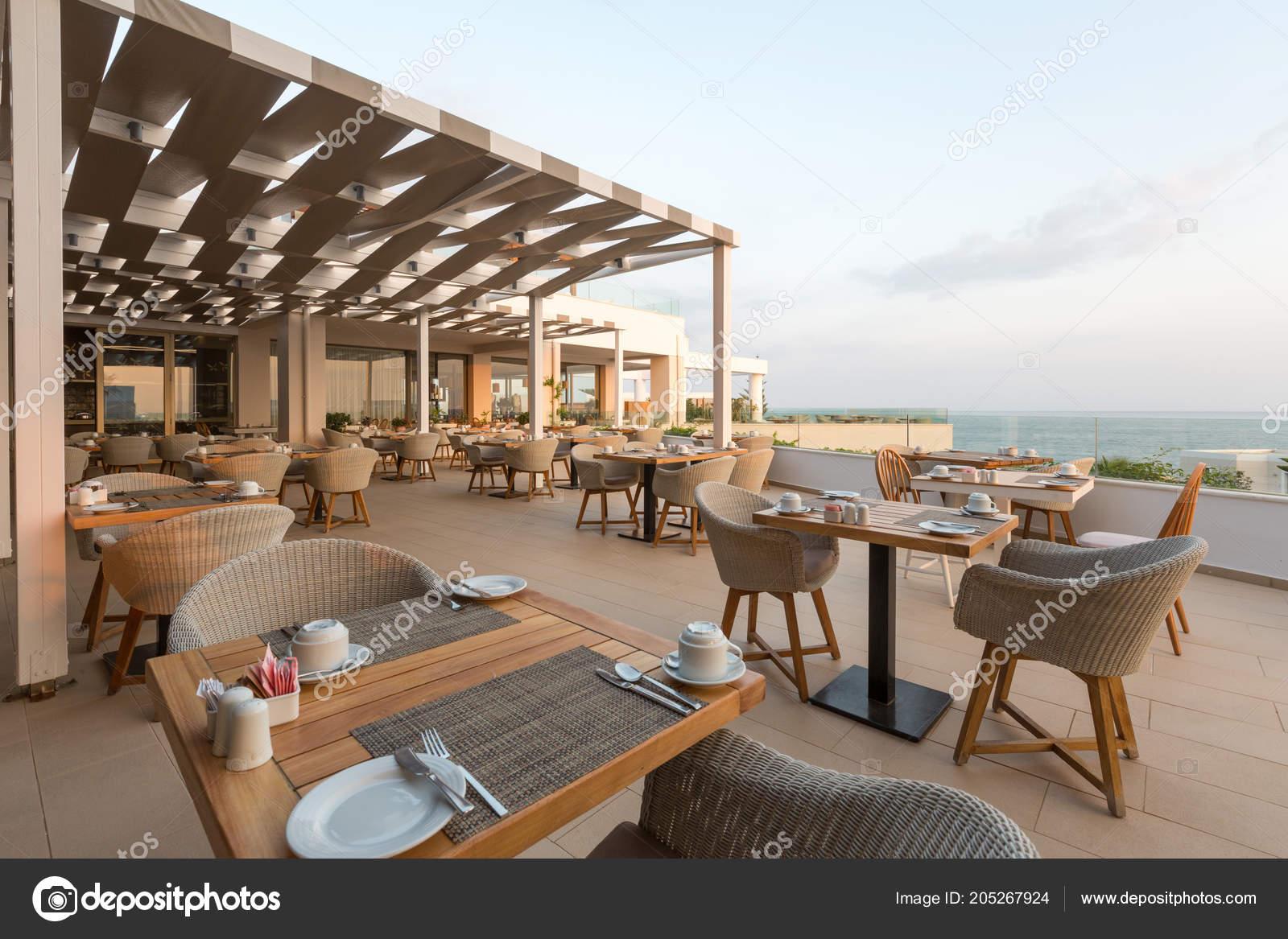 Terraza Restaurante Hotel Grecia Foto De Stock Rilueda