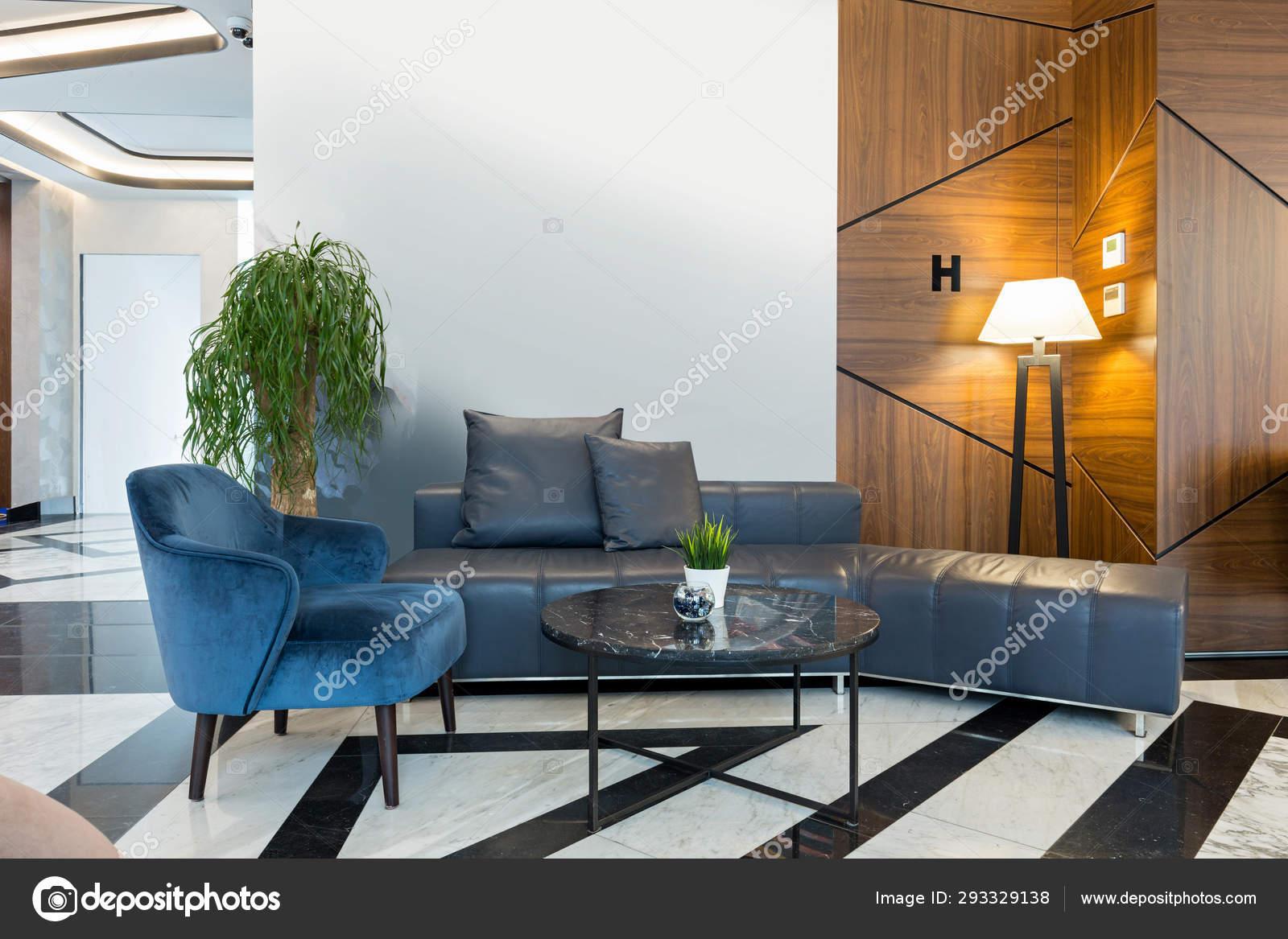 Interior Of A Modern Hotel Lounge Cafe Bar Restaurant Stock Photo C Rilueda 293329138