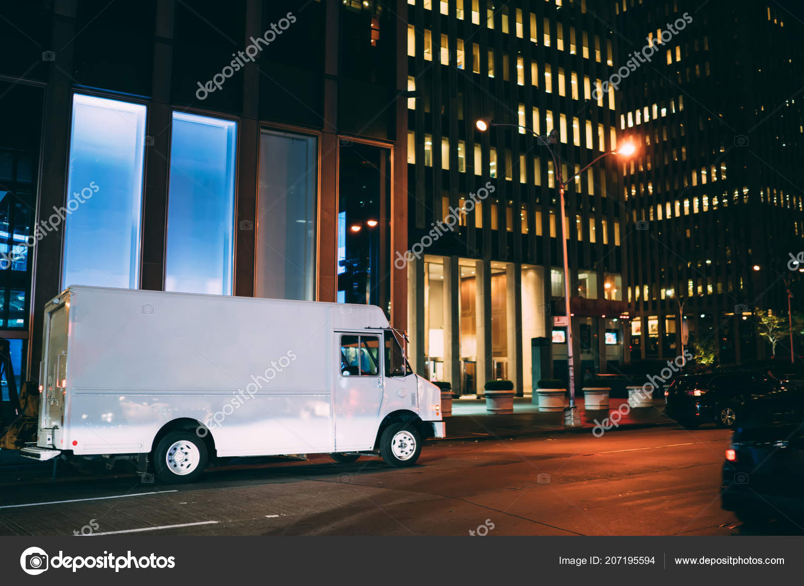 Tall City Delivery >> Vehicle Cargo Used Relocation Order Parked Road Evening
