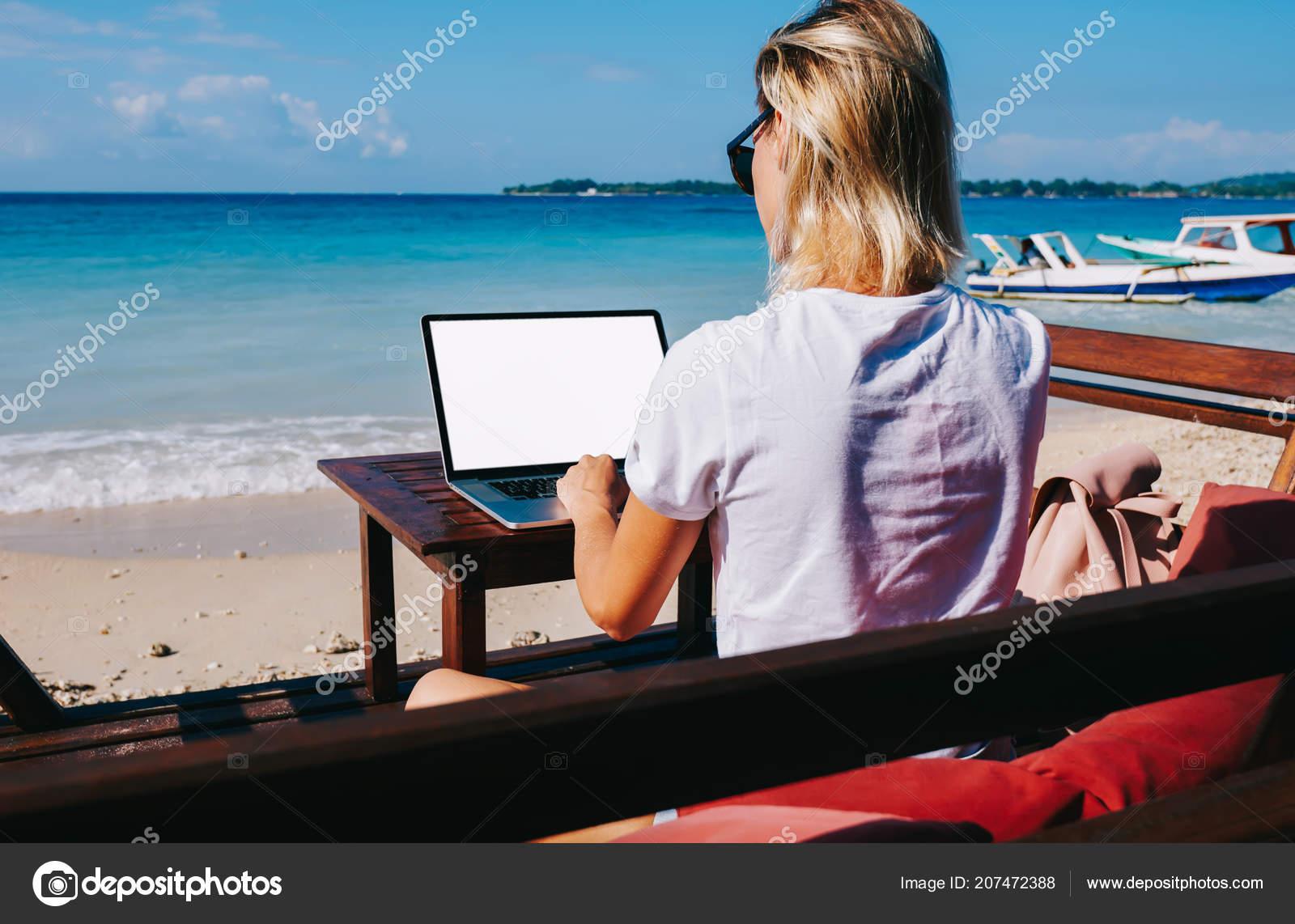 Девушка работа в море вебкам студия ярославль