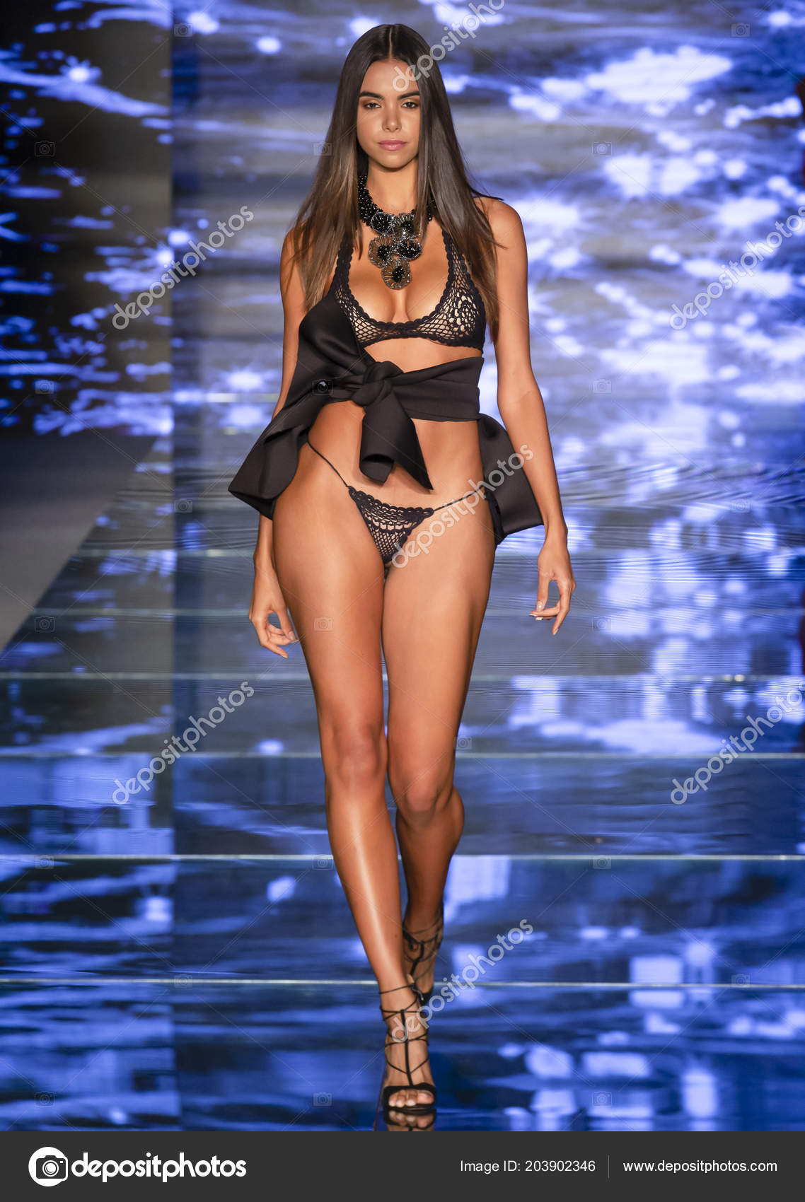 8477dce207c62 Miami Beach July 2018 Model Walks Runway Baes Bikinis Collection — Stock  Photo