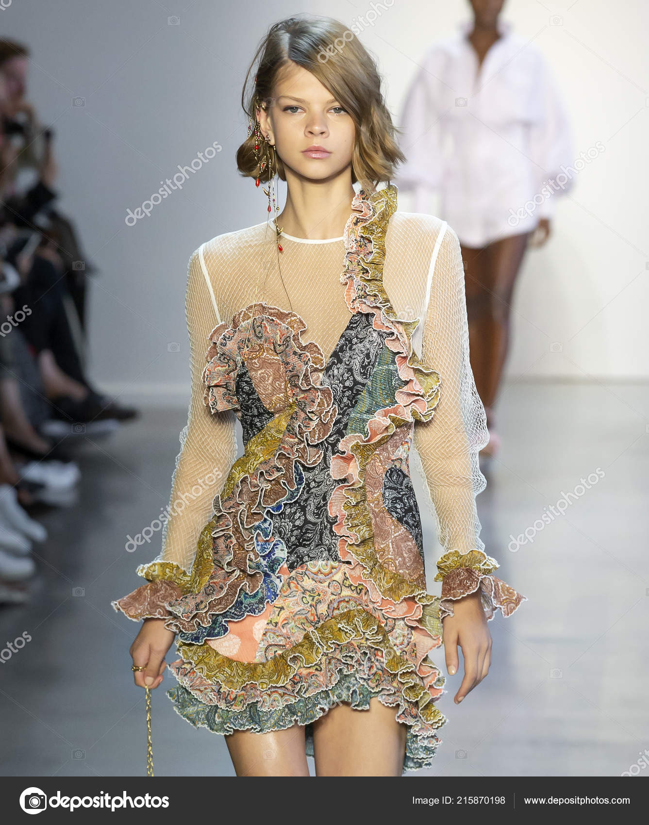 Communication on this topic: Zimmermann SpringSummer 2019 Collection – New York , zimmermann-springsummer-2019-collection-new-york/