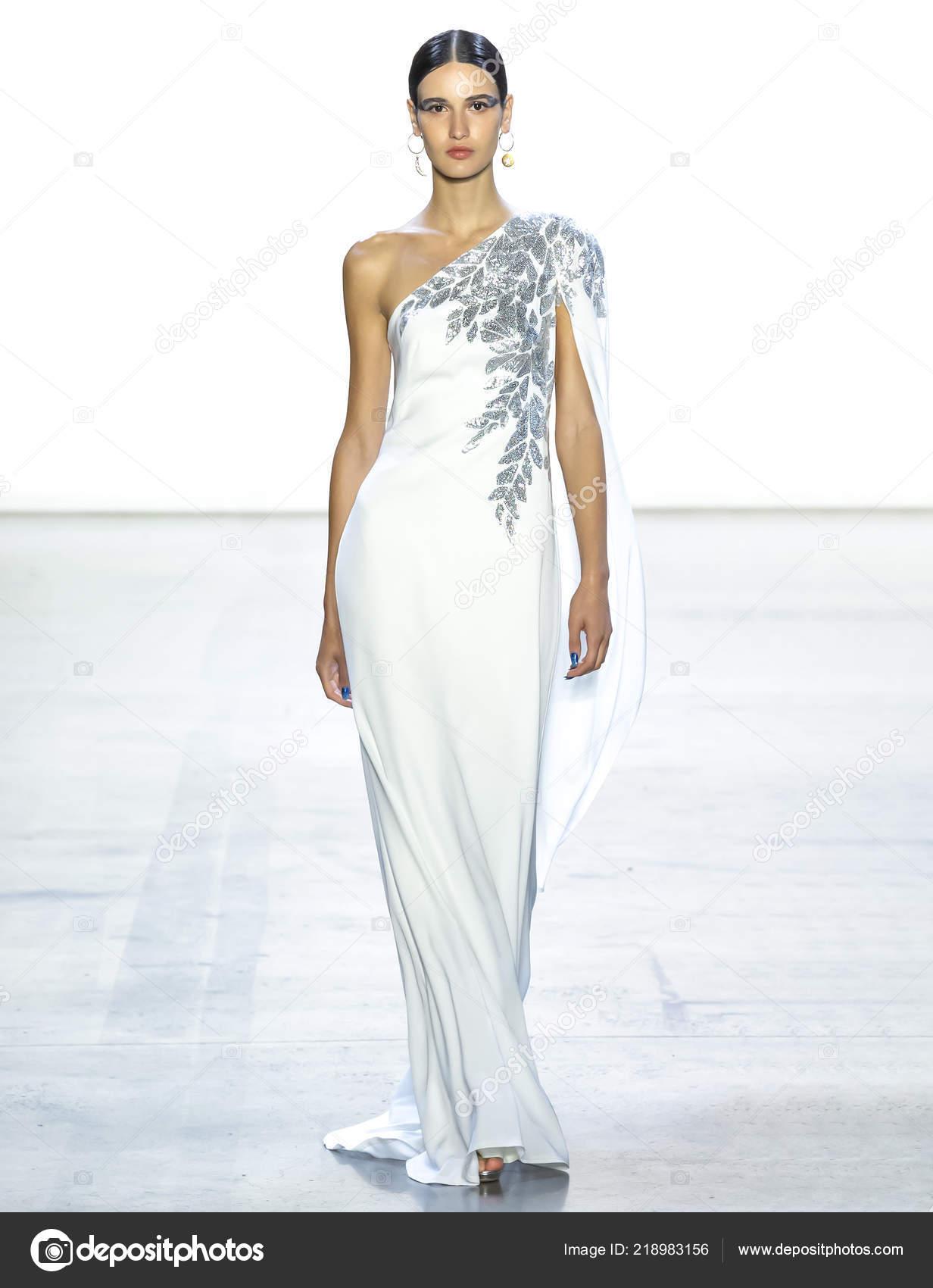 52ec927c0 Nueva York Septiembre 2018 Paseos Tatia Akhalaia Pasarela Moda ...