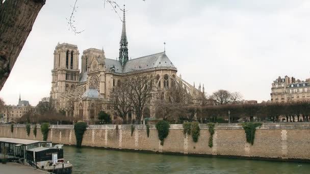 Notre Dame de Paris, is ismert, mint a Notre Dame-katedrális, Párizs, Franciaország